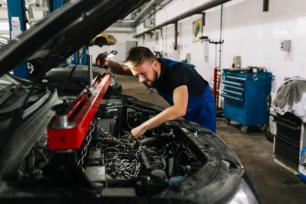 Manutenção de motor de carros: 4 dicas essenciais
